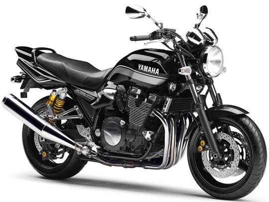 XJR1300 ヤマハ バイク