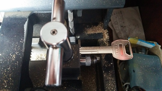 ホンダPCXの鍵を加工